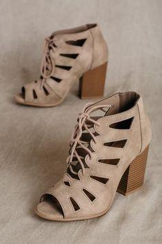 4e7fb3df47a7 87 Best Shoes images