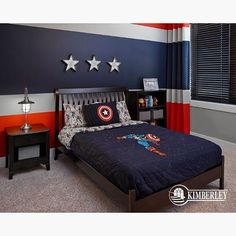 How cute is this Captain America themed room! Credit to Kimberley Homes - Visit to grab an amazing super hero shirt now on sale! Big Boy Bedrooms, Boys Bedroom Decor, Bedroom Themes, Bedroom Ideas, Marvel Bedroom, Avengers Room, Superhero Room, Home Interior, Interior Design