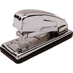 Grapadora de sobremesa Petrus 230 metalica y cromada. Capacidad de grapado de 30 hojas. Usa grapas 22/6 - 24/6.