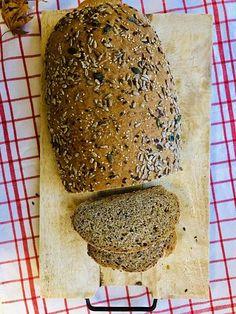 Pâine integrală cu semințe, rețetă simplă și rapidă - Chef Nicolaie Tomescu Doughnuts, Bread, Unt, Food, Furniture, Noodle, Projects, Pie, Brot