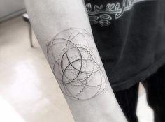 Les superbes Tatouages géométriques du Dr Woo (12)
