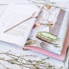 Tylko pichcenie poprawia mi humor w taką pogodę! Szczególnie z dzieciakami przyrządzając potrawy z książki @makecookingeasier_pl  #instamatki #instamatkikielce #gotowanie #pieczenie #zosiacudny #rodzinnegotowanie #gotowaniezdziecmi #cookingwhitchildren #flashesofdelight #photography #pomyslnawieczor #igerswarsaw #igerskielce
