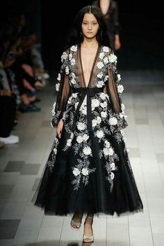 13f68078afe1 Модное Дефиле, Высокая Мода, Модные Образы, Модный Дизайн, Женская Мода,  Весенняя
