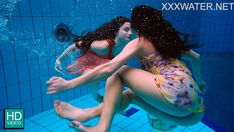 Nude girls swimming under the water Girls Swimming, Real Beauty, Girls Be Like, Female Form, Female Bodies, Underwater, Erotic, Nude, Zero