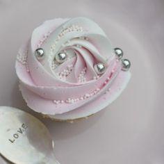 Sparkling Wine Cupcakes