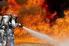 Das Feuer und der Krebs - Krebsrisiko bei Feuerwehrleuten + 30% . Lesen Sie dazu den Artikel im Seniorenblog: http://der-seniorenblog.de/medizin-gesundheit/krebserkrankungen/krebs-news/ . Bild: CC0