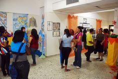 Exposición De la escuela de Diseño Industrial y moda