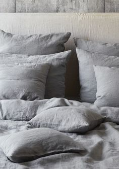 Washed pure linen duvet cover. Soft touch. Natural wrinkled look. Fastens with 8 mother-of-pearl buttons.