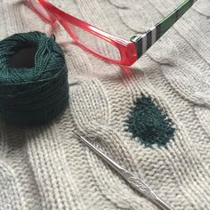 Hottest Pictures visible Mending Concepts For any ecological future it's vital we restart essential abilities just like mending garments tog Crazy Paving, Visible Mending, Iron On Fabric, Fabric Patch, Embroidery Needles, Running Stitch, Blanket Stitch, Back Stitch, Satin Stitch
