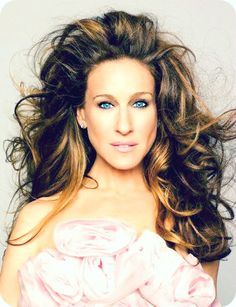 I hate that people always talk so much smack about SJP looking like a horse. I think she's absolutely beautiful.