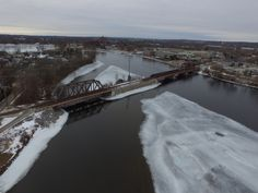 Today on BRADBLOG.ca The Peterborough Prestige! Brand new website for waterfront owners and buyers. Over head views from the Point in East City looking at Otonabee River, Little Lake and major buildings downtown. https://loom.ly/xAeKavU