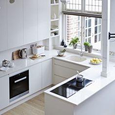 cocina-pequena-con-forma-de-u-1278953.jpg 400×400 pixeles