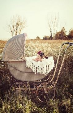 Antique Wicker Carriage | Newborn Photography