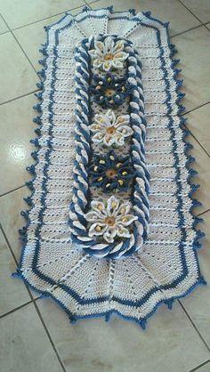 trabalho com amor: lindo tapete em crochê bem diferente