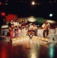 """Nederlandse popgroep """"The Cats"""" uit Volendam, vertegenwoordigers van de 'palings…"""