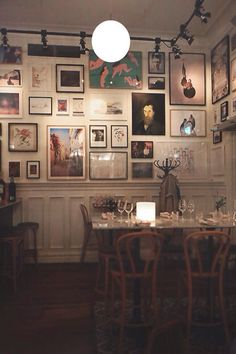Reataurant with gallery wall