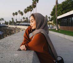 @sarasuleiman Modest Fashion, Hijab Fashion, Fashion Outfits, Insta Photo Ideas, Beautiful Hijab, Mode Hijab, Elegant, How To Wear, Shirts