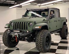 Jeep Discover by TokarishkaPins Jeep Auto Jeep, Jeep Cars, Jeep 4x4, Jeep Truck, Gmc Trucks, Lifted Trucks, Jeep Scout, Badass Jeep, Vintage Pickup Trucks