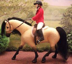 "OOAK felt fabric model horse ""Tess"""