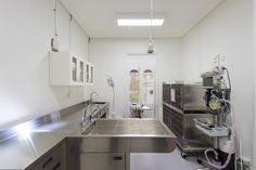 Veterinary-Hospital-Interior-Design/Operating-Theatre-Construction