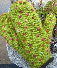 Thrummed Mittens pattern by Helene Driesen