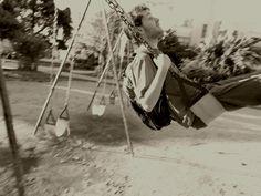 """""""A veces la infancia es más larga que la vida."""""""