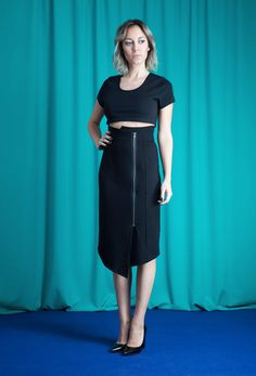 Schmaler Wickel-Rock im asymmetrischen Schnitt - shop fair fashion by House of Wolf! Faire Mode aus Deutschland, designed und produziert in Deutschland. | faire Mode zu fairen Preisen ist möglich, coole Eleganz, elegante Röcke
