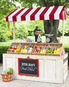 Trendy Diy Food Cart Bauernmarkt - Caroline's Farmers Market - Gartnern Möbel Farmers Market Display, Market Displays, Farmers Market Stands, Vegetable Stand, Vegetable Garden, Produce Stand, Fruit Shop, Fruit Stands, Farm Stand