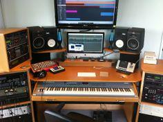 PC-centric console Home Studio Setup, Studio Desk, Home Studio Music, Audio Studio, Recording Studio Design, Imac Desk, Music Studios, Music Production, Gaming Setup