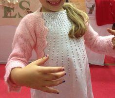 Coprispalle elegante per bambine e principessine, per danza o battesimo, in pura lana merinos anallergico, fatto a mano con bordo in pizzo. on Etsy, 38,00€