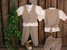 Boys linen suit. Rustic ring bearer outfit. Toddler linen suit. Boys party suit. Rustic beach wedding via Etsy