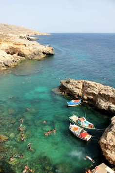Ghar Lapsi: Where the Locals Come to Swim in Malta >> I love the looks of this swimming hole... #PinUpLive