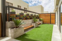 A terrace vs patio and terraced house patio garden ideas. Pretty up your patio a. A terrace vs patio and terraced house patio garden ideas. Pretty up your patio and dress up your de Rooftop Terrace Design, Terrace Garden Design, Patio Design, Backyard Landscaping Designs, Garden Design