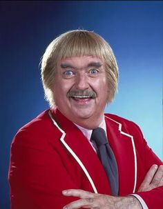 Bob Keeshan had two pioneering roles in children's television: as the original Clarabell the Clown on the Howdy Doody Show from 1948 to 1952 and, most famously, as Captain Kangaroo from 1955 to 1992. Keeshan died on January 23, 2004 at the age of 76.    Captain Kangaroo aired on CBS and then PBS for six decades earning numerous awards, including three Emmys.