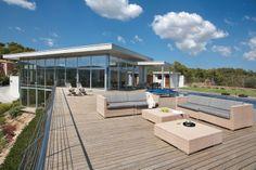 Modern Mallorca villas: 5 bedroom, 5 bathroom luxury modern villa for sale in Son Vida, Mallorca