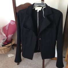 Banana republic wool jacket Raw hem. EUC.  This item is in good condition but it has been worn. Please ask any questions before purchasing. Banana Republic Jackets & Coats