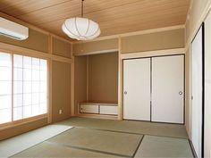 明るく清々しい、本格的な真壁造りのご両親のお部屋。|和室|畳|襖|自然素材|仏間| Traditional Japanese House, Japanese Modern, Traditional Interior, Japanese Design, Japan Design Interior, Japan Apartment, Japanese Style Bedroom, Japan Room, Zen Place