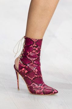 Mark Fast Spring 2020 Fashion Show Details Ankle Heels, Pumps Heels, Stilettos, Pretty Shoes, Beautiful Shoes, Bootie Boots, Shoe Boots, Valentino, Dream Shoes