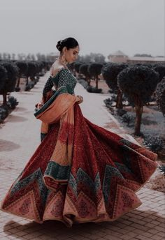 Pakistani Outfits, Indian Outfits, Semi Formal Dresses, Nice Dresses, Desi Wedding, Wedding Stuff, Indian Aesthetic, Desi Clothes, Indian Designer Wear