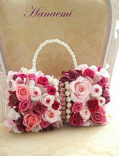 Diy Bags Easy, Floral Arrangements, Beautiful Flower Arrangements, Blush Wedding Centerpieces, Birthday Wishes Flowers, Mothers Day Decor, Ribbon Jewelry, Alternative Bouquet, Flower Bag