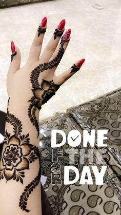 Khafif Mehndi Design, Indian Mehndi Designs, Stylish Mehndi Designs, Mehndi Design Pictures, Beautiful Henna Designs, Arabic Henna Designs, Arabic Mehndi, Finger Henna Designs, Wedding Mehndi Designs