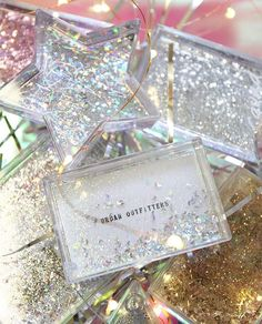 cool flask idea Cool Flasks, Bat Mitzvah Gifts, Glitter Party, Never Grow Up, Holidays 2017, Deck The Halls, Merry And Bright, Tis The Season, Cute Gifts