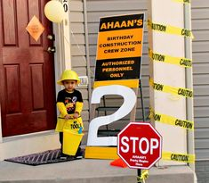 Love the decor in this construction-themed birthday party!