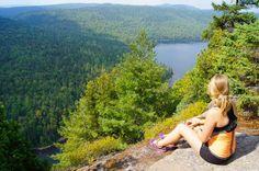 15 sublimes endroits où faire de la randonnée au Québec Backpacking, Camping, Canada Eh, Destinations, Best Hikes, Hiking Backpack, Canada Travel, Quebec, Trekking