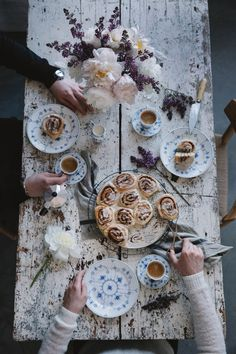Our Food Stories: We are so excited to share the recipe for these very delicious gluten free cinnamon buns with you . Gluten Free Treats, Gluten Free Baking, Gluten Free Recipes, Baking Recipes, Food Photography Styling, Food Styling, Denmark Food, Gluten Free Cinnamon Rolls, Jolie Photo