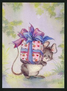Mouse with gift,  Lisi Martin