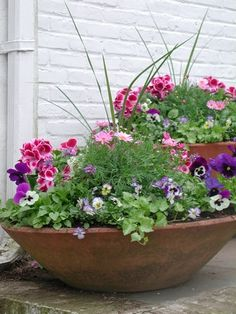 Spring Planter in #clay #pots