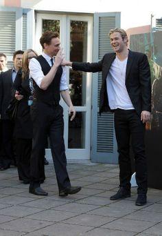 Tom Hiddleston + Chris Hemsworth = Hiddlesworth #Bromance :)