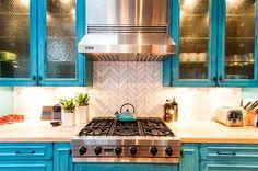 9 Conscious Clever Tips: Subway Tile Backsplash blue beadboard backsplash.Backsplash Diy Bottle Caps backsplash diy how to make.Herringbone Backsplash Under Hood. Quartz Backsplash, Beadboard Backsplash, Herringbone Backsplash, Backsplash Ideas, Hexagon Backsplash, Blue Backsplash, Mirror Backsplash, Turquoise Cabinets, Turquoise Kitchen