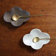 Cloud shaped plates